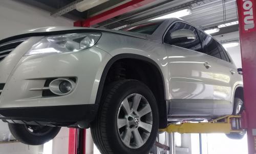 Установка ДаунПайпа на VW Tiguan 4Motion /1 Gen/